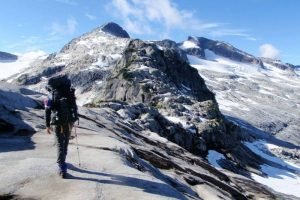 Hiking the North Powell Divide - Anonymous (Powell River Peak)
