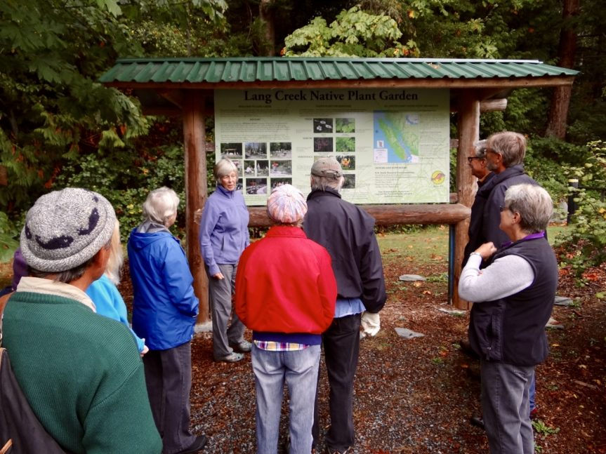 Malaspina Naturalists at Lang Creek Hatchery #3 30 Sept 2017 - L. Bridger